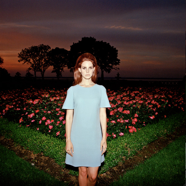 Lana Del Rey releases new video of single 'National Anthem'